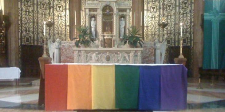 Gay_altar1_1024_512_75_s_c1
