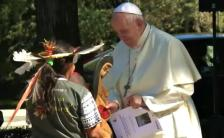 Pope_Francis_receives_Pachamama_statue_Oct._4__2019_810_500_75_s_c1
