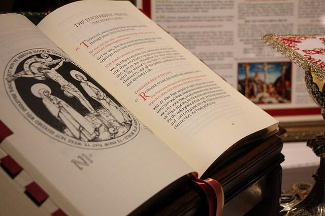 divine-worship-the-missal-james-bradley-1